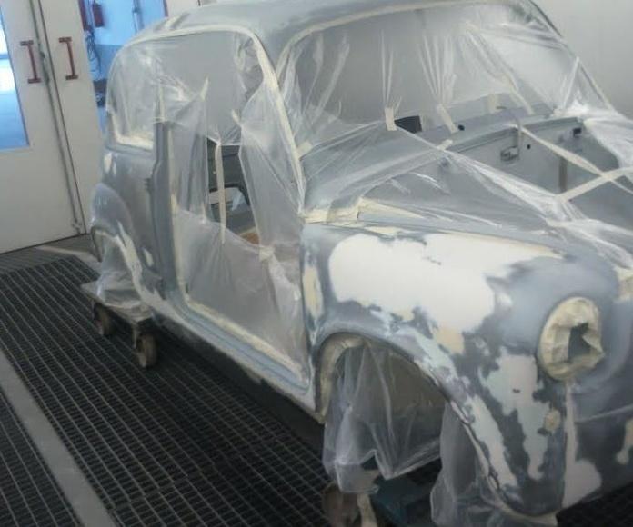 Restauración de vehículo 600 en Madrid Valdemoro