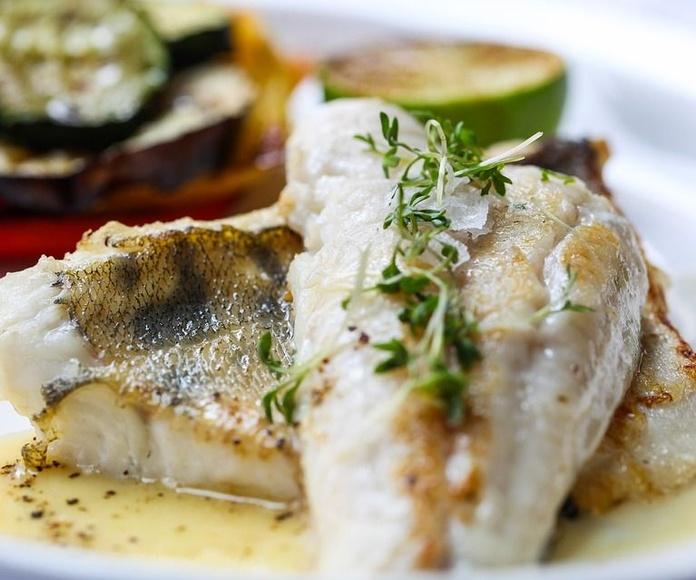Pescados: Servicios y especialidades de Restaurante Marisquería Al Espeto