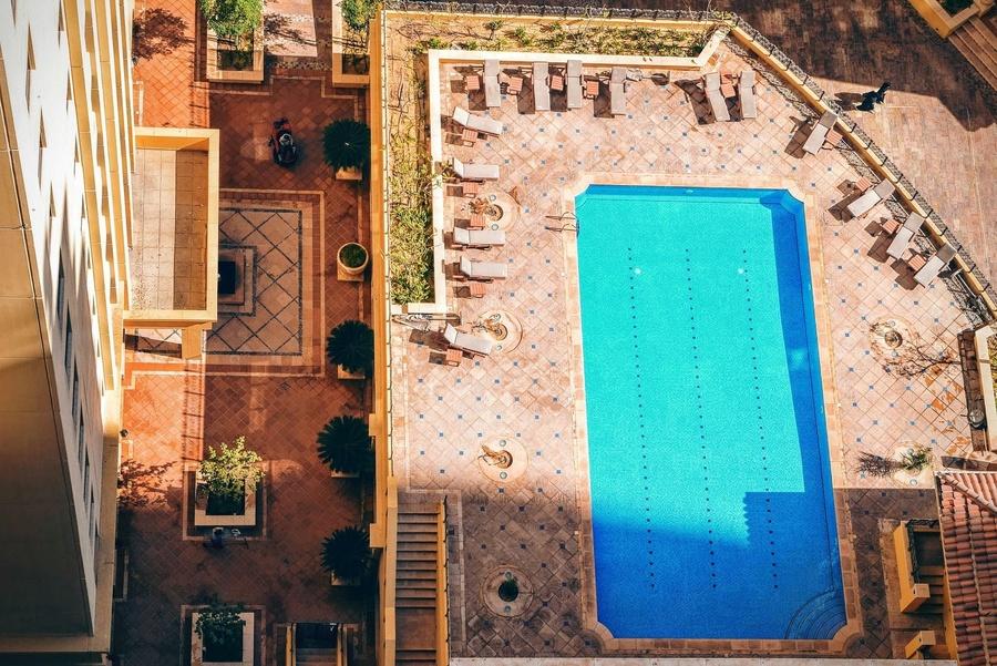 Cosas a tener en cuenta sobre las piscinas comunitarias