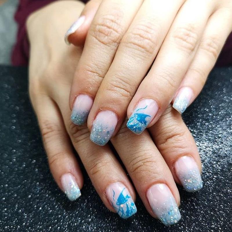 Manicuras con esmaltados semipermanente o permanente: Servicios de Cristina Nails