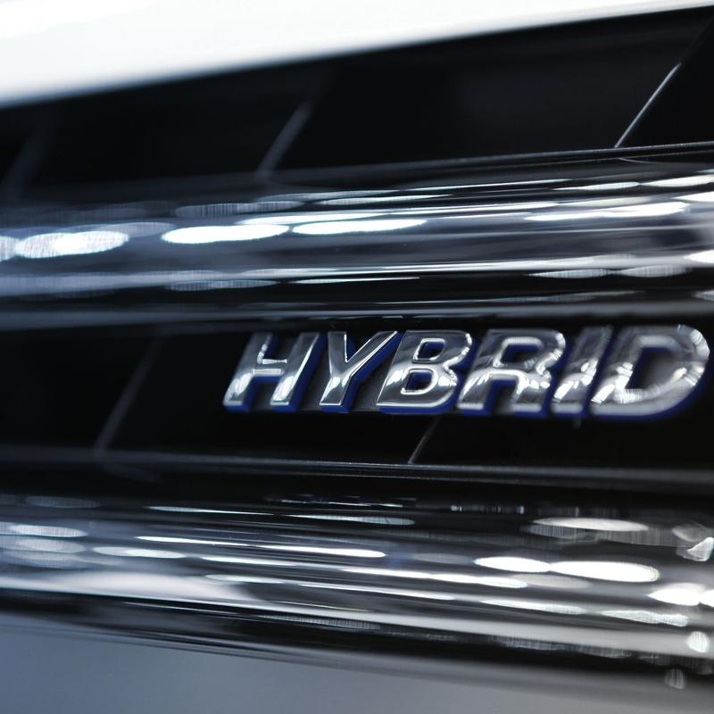 Reparacion vehículos híbridos: Servicios de Herrero Automoción