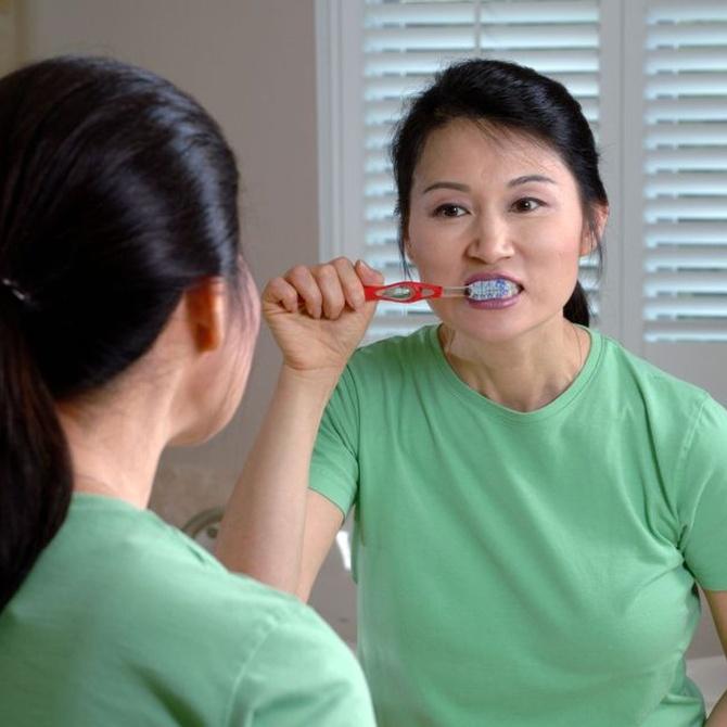 Cuidar el esmalte con el cepillado