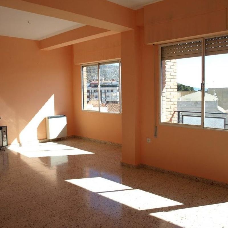 Pisos en venta 65.000€: Compra y alquiler de Servicasa Servicios Inmobiliarios
