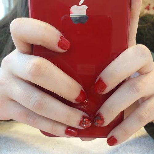 Patri&cia, Belleza y uñas