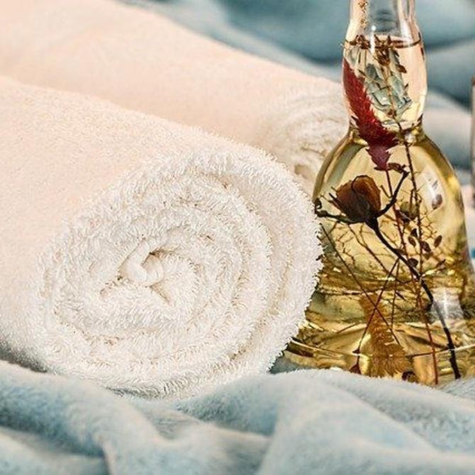 Características del masaje sensitivo y el tántrico