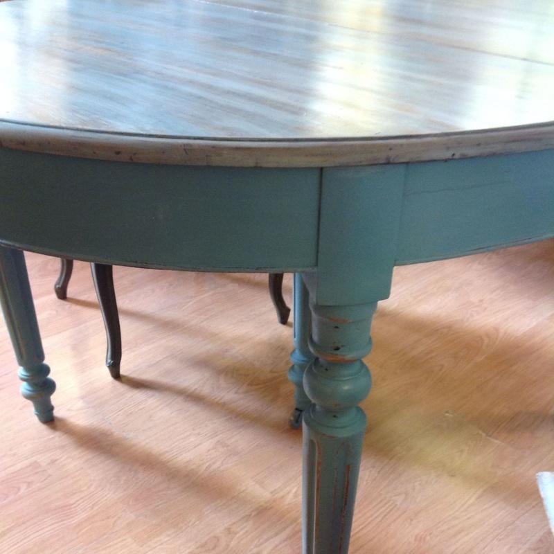 Restauración: Mesa isabelina acabada en azul aguamarina y doble veladura: Catálogo de Ste Odile Decoración