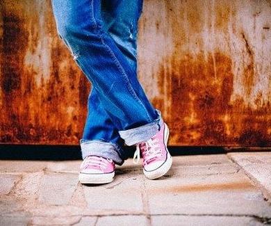 EL ARRAIGO FAMILIAR DEL MENOR EXTRANJERO DESAPARECE CON LA MAYORÍA DE EDAD