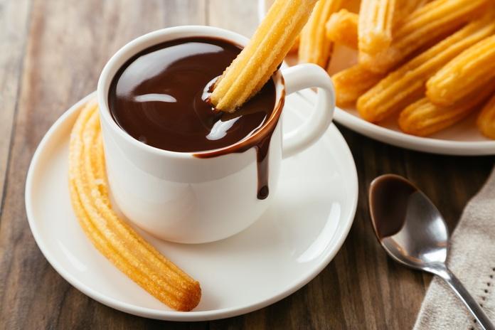 Chocolate con churros: Carta y servicios de Cafetería Restaurante Cruz