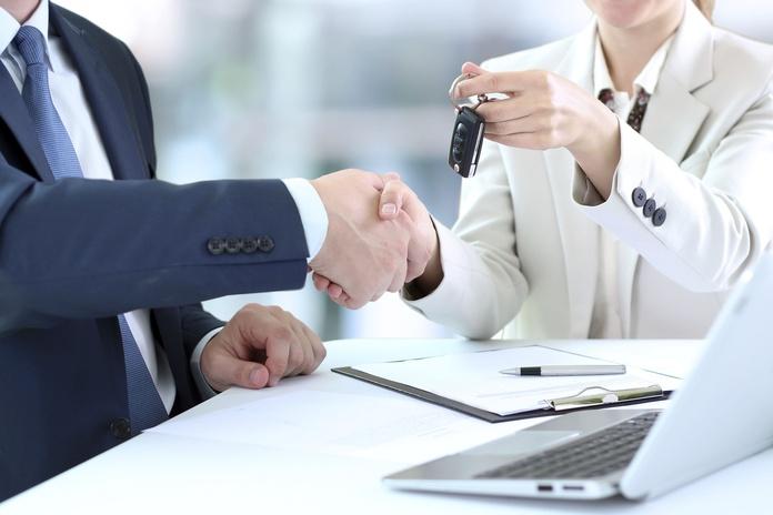 Transferencia de vehículos o cambio de titularidad: ¿Qué hacemos?  de Gestoría Cebrián