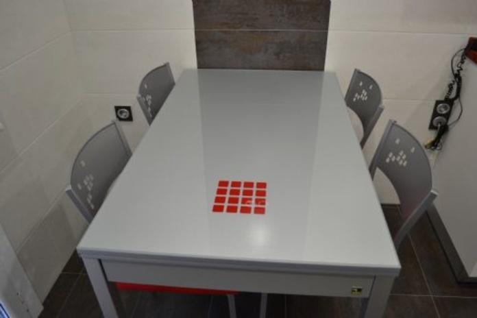 Mesas y sillas: Servicios de Carpintería F. Pascual