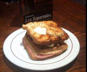 Comer sándwiches en Sigüenza