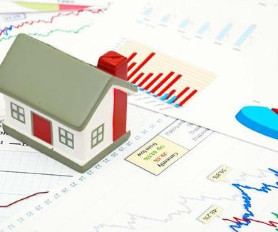 Economía/Vivienda.- El sector inmobiliario vuelve a hablar de suelos y grúas en 2016