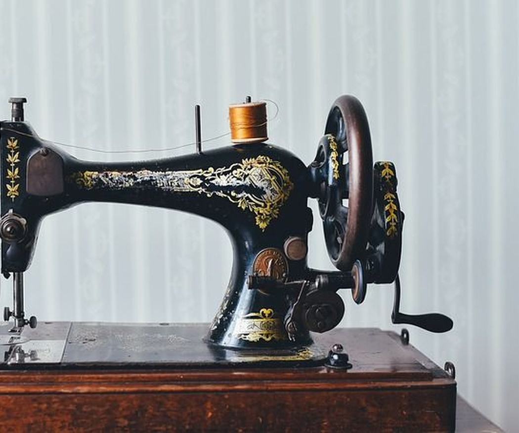 Breve crónica de la máquina de coser