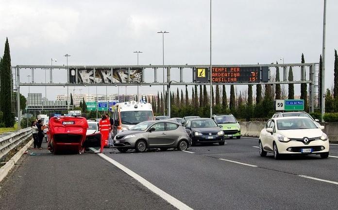 Una muerta y 40 heridos en el choque de 30 vehículos en Lugo