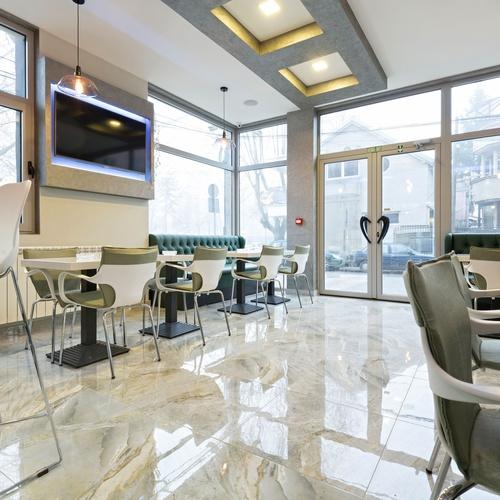 Servicio de limpieza para todo tipo de oficinas y negocios en Moratalaz, Madrid