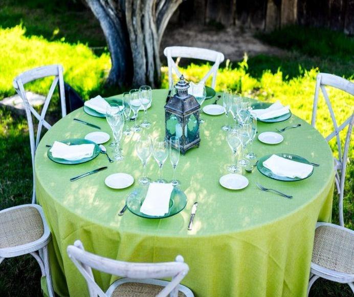 Mantel redondo verde pistacho estilo saco: Alquiler de Mantelería & Menaje