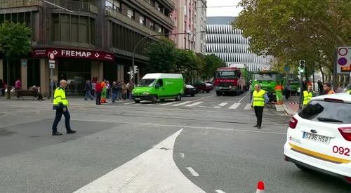 RESCATE DE CAMIÓN TRÁS INCIDENTE CON EL TRANVÍA