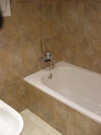 Colocación baldosas baño