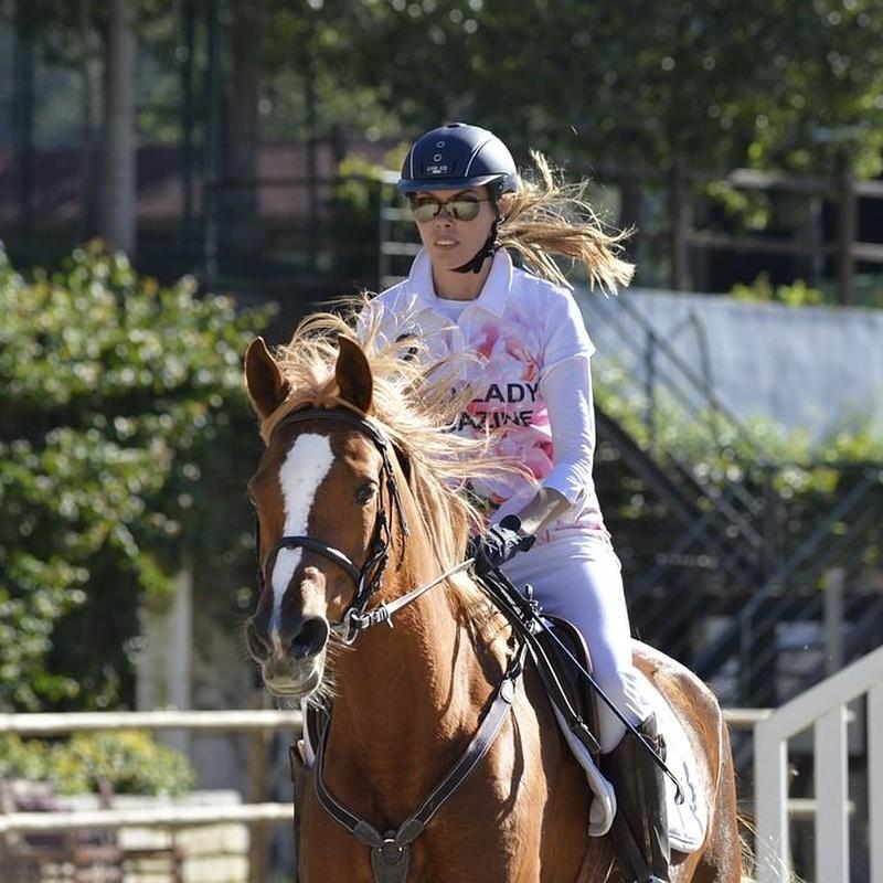 Initiation riding lessons: Services de Equestrian Club El Alamo