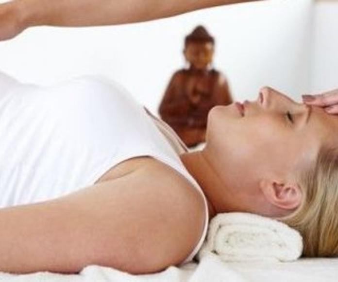 Massatge i Embaràs: Serveis i tractaments de SILVIA BACHES MINOVES