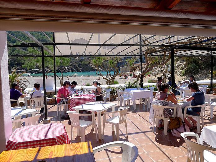 Gran terraza exterior: Le ofrecemos de Restaurante 2000
