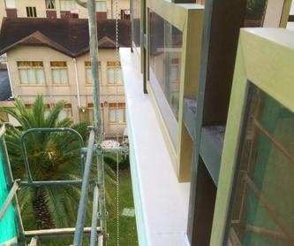 Reparación patio pequeño, lugares de difícil acceso, espacios confinados.: Trabajos verticales Santander  de Trabajos Verticales Cantabria
