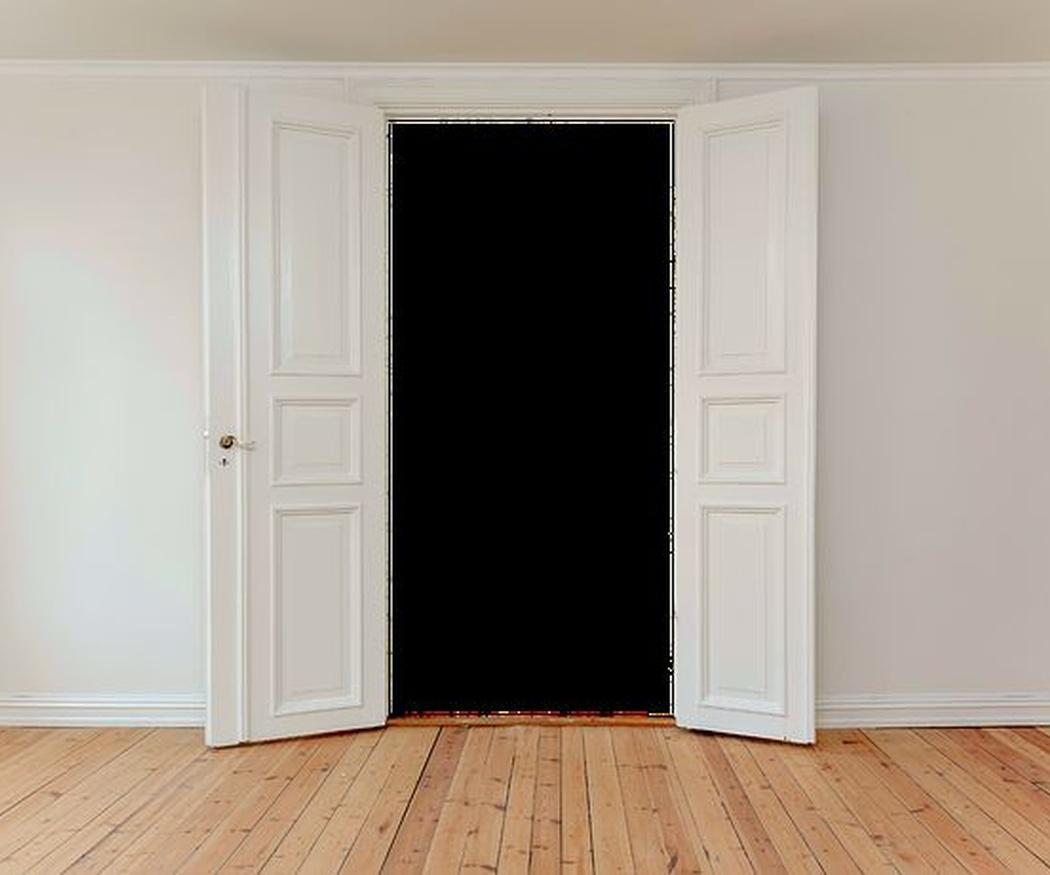 Aprovechar la temperatura ambiente con puertas de madera
