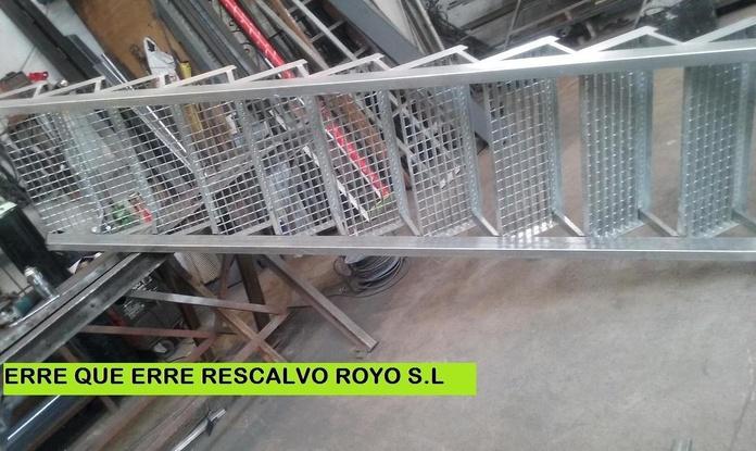 ESCALERAS TRAMEX: Servicios de Exposición, Carpintería de aluminio- toldos-cerrajeria - reformas del hogar.