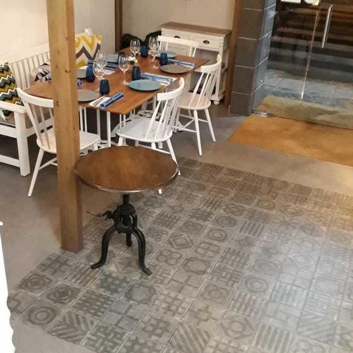Reforma restaurante PAU en Benicarló series world streets y mahori de VIVES