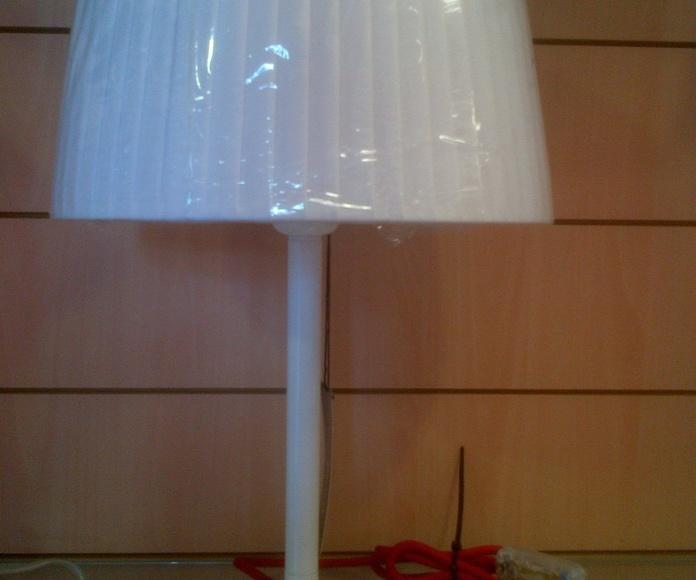 Sobremesa: Productos y servicios  de Electricidad e Iluminación Iñaki