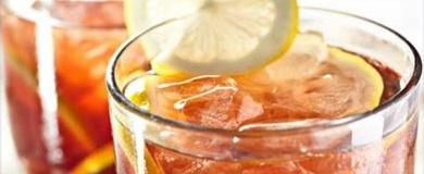 El alcohol en tu boca.