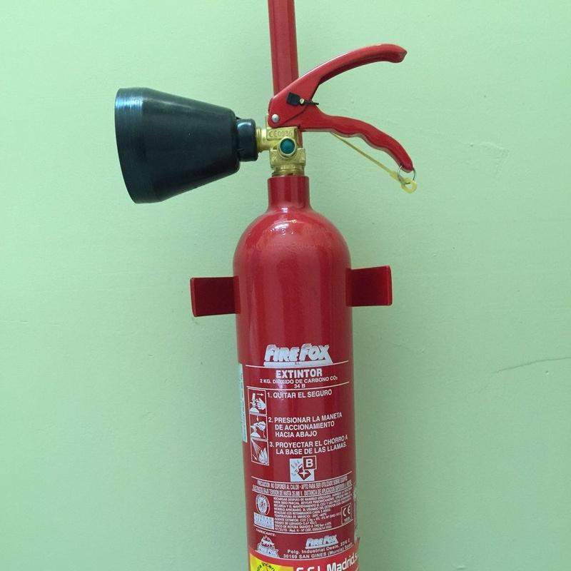 Extintores CO2 - 2 kg.: Servicios contra incendios de Sistemas contra incendios Madrid