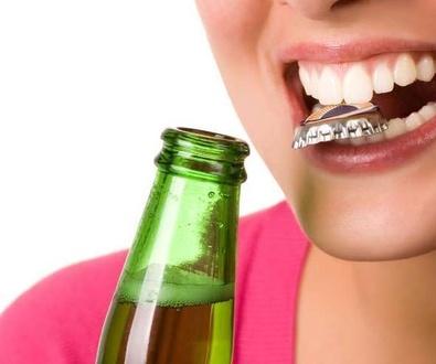 Cuatro malos hábitos que perjudican la salud bucal