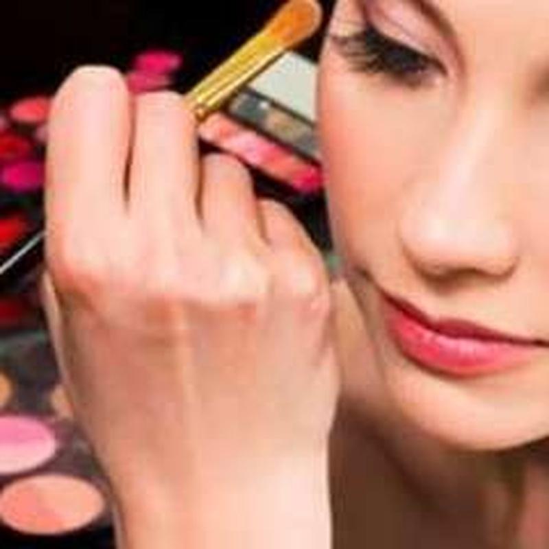 Maquillaje: Tratamientos de belleza de Centro Bienestar y Salud Cayma