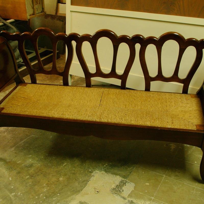 Pulido de muebles: Servicios de Restauración de Muebles Alfredo