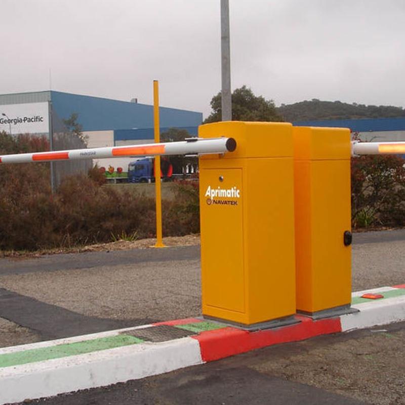 Barreras automaticas: Servicios de Navatek Puertas Automáticas, S.L.