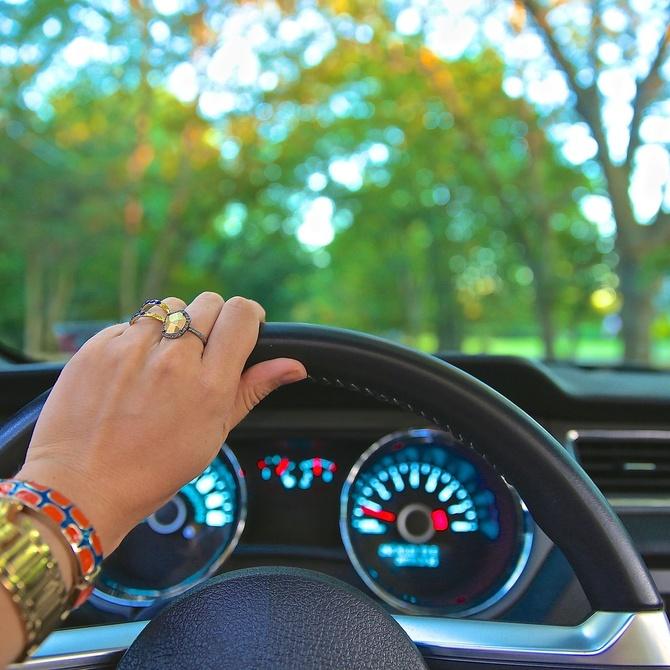 Acciones sencillas que nos ayudan en la conducción