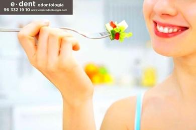 La falta de vitaminas puede demostrarse en las encías