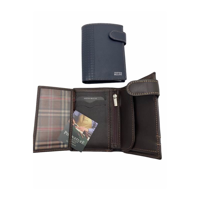 TITTO BLUNI, Ref. 479, con broche , cremallera y monedero en el interior, 30€