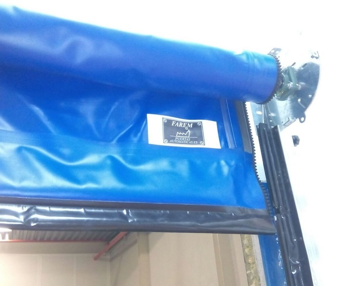 Puerta rápida enrollable autofull reparable Faremgies detalle cremallera