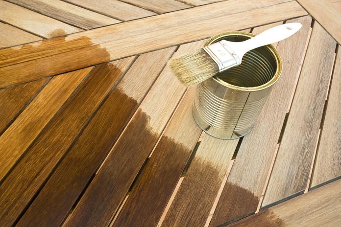 Tratamiento especial para madera: Servicios de ENTRENA PINTORS