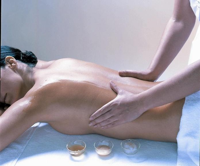 Masaje vital corporal (espalda, piernas, planta del pie): MASAJES de Fisioterapia Carlos Pérez (Coleg num 8867)