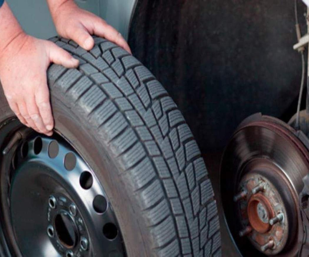 Qué son los neumáticos de verano y por qué conviene que no sean tus únicas ruedas