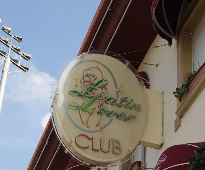 El Club: Servicios de Latin Lover