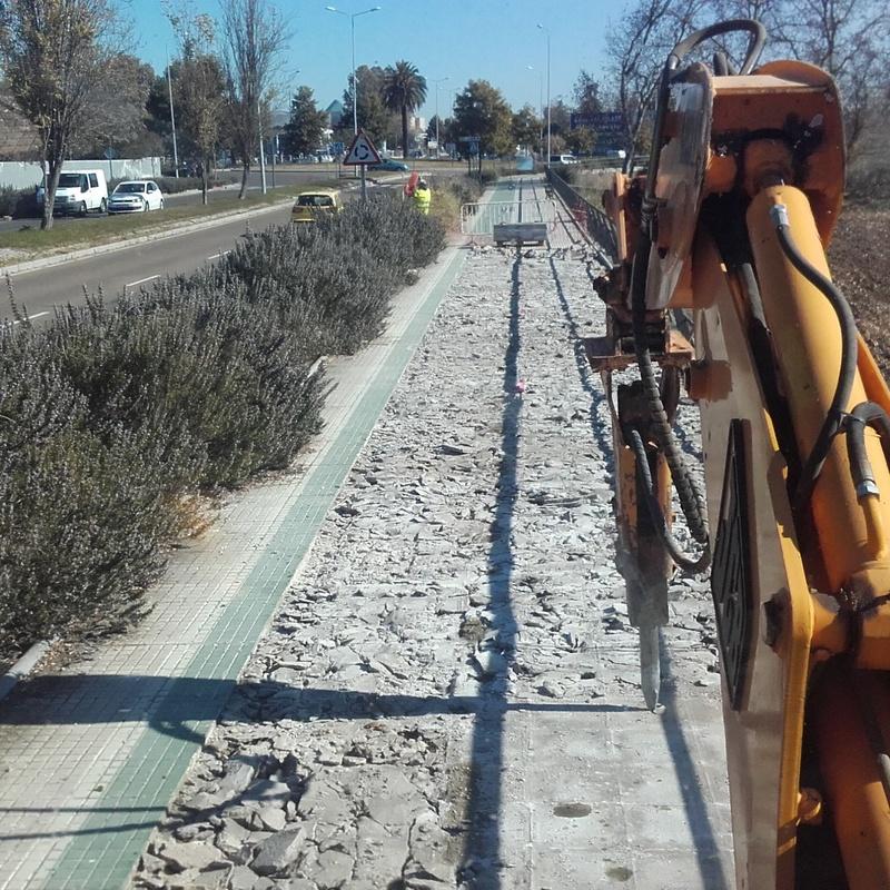 Demoliciones y derribos con martillo hidráulico: Servicios de Excavaciones López