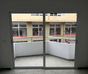 Cambio de puerta corredera en Las Palmas