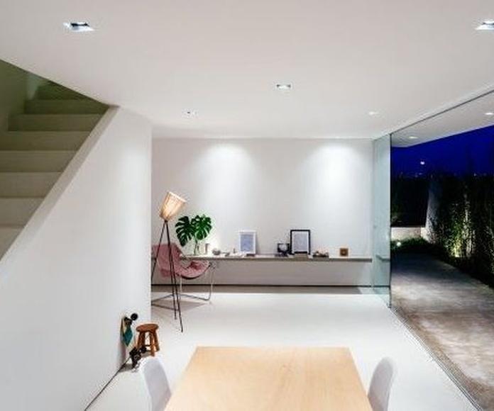 VENTANAS MINIVALISTAS: Servicios de Exposición, Carpintería de aluminio- toldos-cerrajeria - reformas del hogar.
