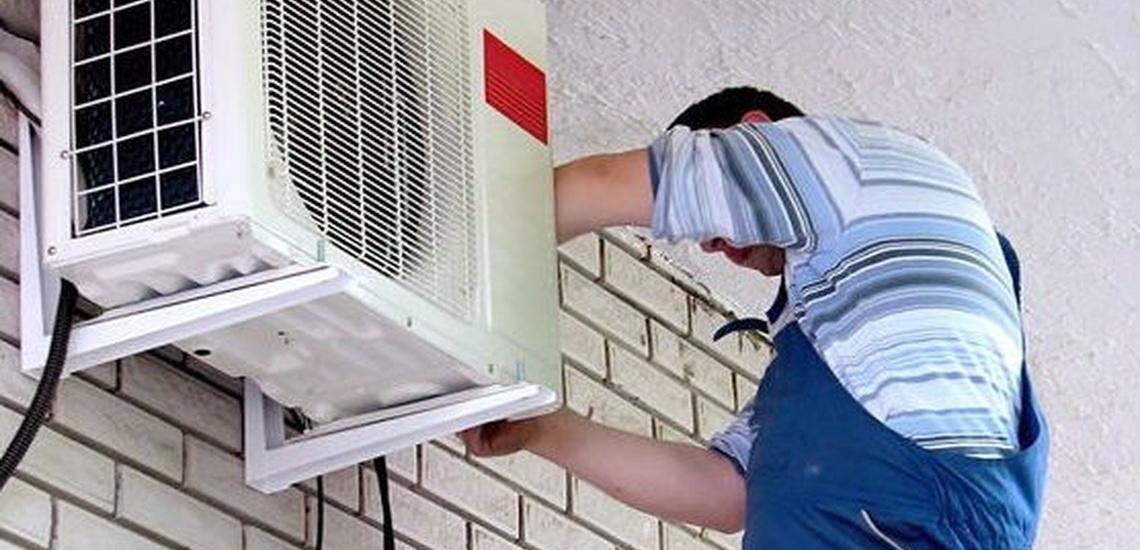 Colocación de equipos de aire acondicionado en Cornellà de Llobregat