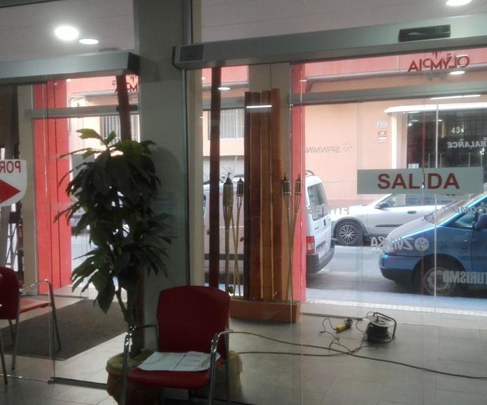 DOBLE PUERTA RAPIDA   AUTOMATICA  CRISTAL CANTOS PULIDOS FAREM DELUX