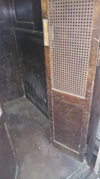 Restauración cabinas de acensor Barcelona